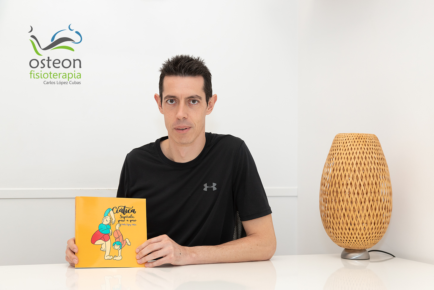 """El fisioterapeuta Carlos López Cubas publica su libro """"Ciática, supérala paso a paso"""""""