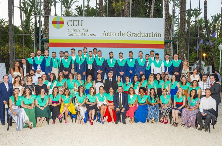 El ICOFCV, en los Actos de Graduación de los alumnos de Fisioterapia de la UCH-CEU