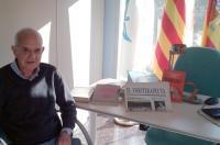 El ex colegiado jubilado Vicente Barreda dona numerosas revistas, libros y material histórico al ICOFCV