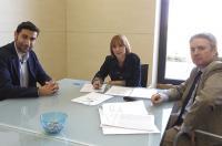La concejala de Medio Ambiente asegura al ICOFCV que vigilará que no se oferten masajes terapéuticos en las playas de Valencia este verano